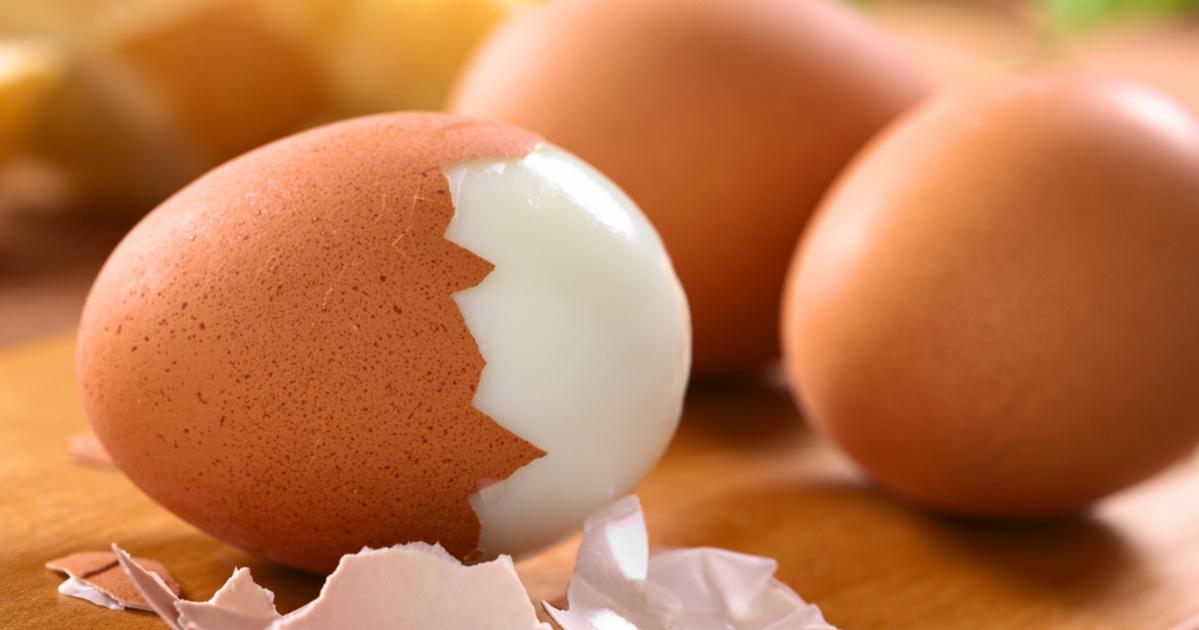 szájából a tojás illata